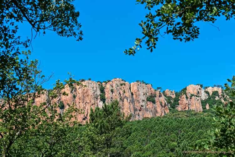 Gorges-du-Blavet-Landschaftsfoto vom Parkplatz bei der Blavet