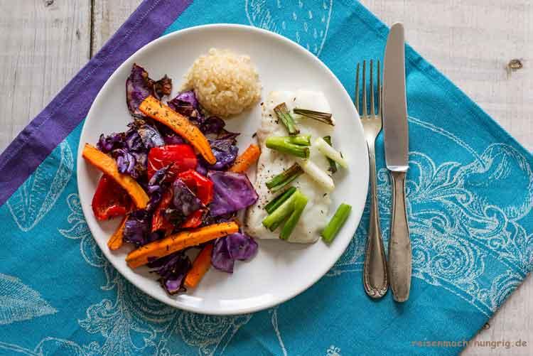 Kabeljau mit rotem Gemüse und Reis