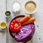 Proviant -Rote Zutaten für ein Gemüseblech