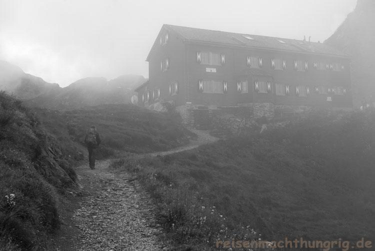 Wormserhütte im Nebel