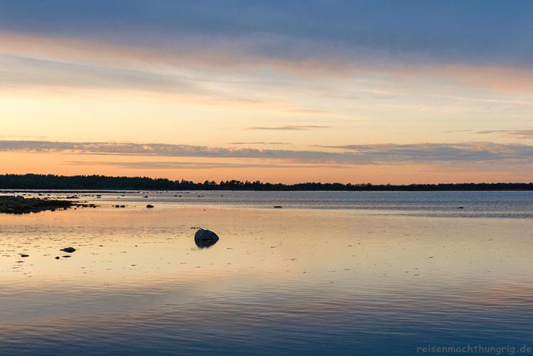 Sonnenuntergang in der Bucht von Grankullaviken